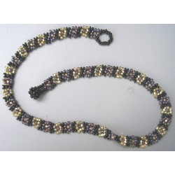 Necklace bead daisy chain